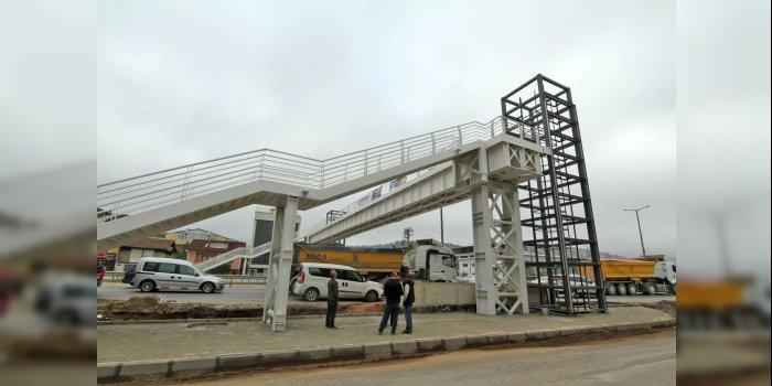 Yenişehir - Yahya Kaptan arasına yaya köprüsü