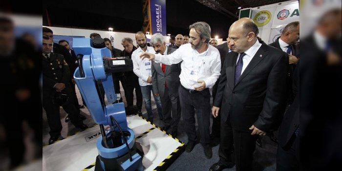 Başbakan Yardımcısı Işık'tanGebzeli Atak Robota özel ilgi