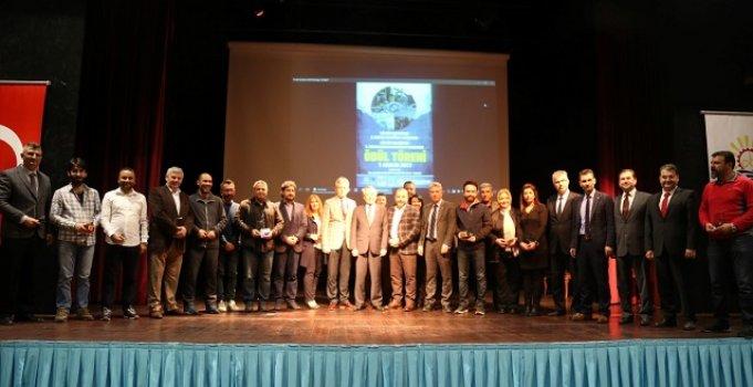 Fotoğraf Yarışmasında Dereceye Giren Fotoğrafçılara Ödülleri Verildi