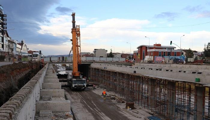 Köseköy Kavşağı'nda Köprü Kirişleri Tamamlanıyor