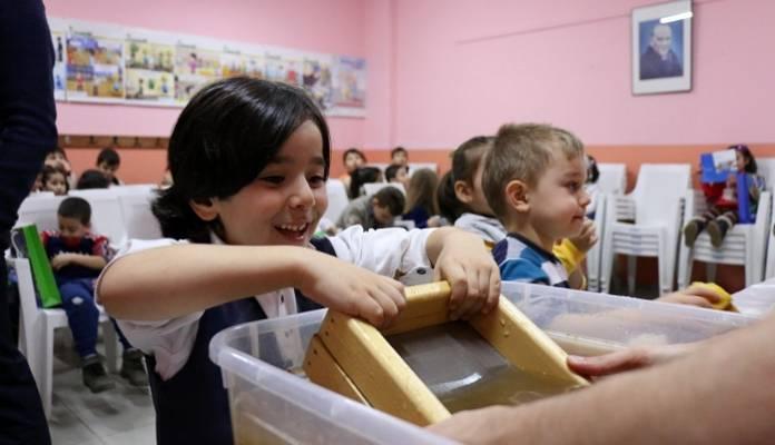 Kâğıdın Büyülü Dünyası  Köy Okullarında