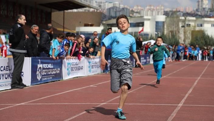 Okullar Arası Atletizm Şampiyonasına Yoğun İlgi