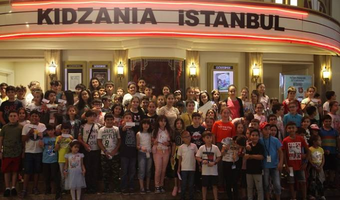 """Başiskele Çocuk Üniversitesi """"Çocuklar Ülkesi""""nde"""