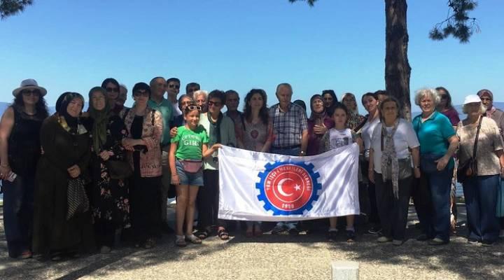 İzmit Belediyesi Emeklileri İznik'e Götürdü