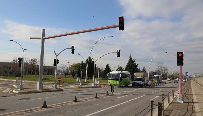 Yeni Nesil Trafik Lambaları Kural İhlallerine Dur Diyecek