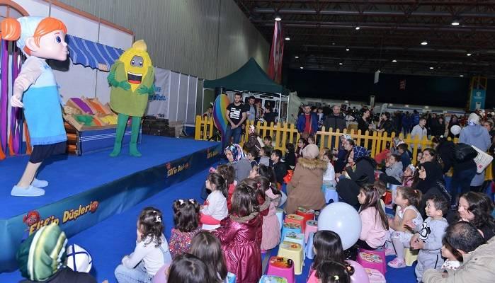23 Nisan Çocukları Elif'in Düşleri'yle Eğleniyor