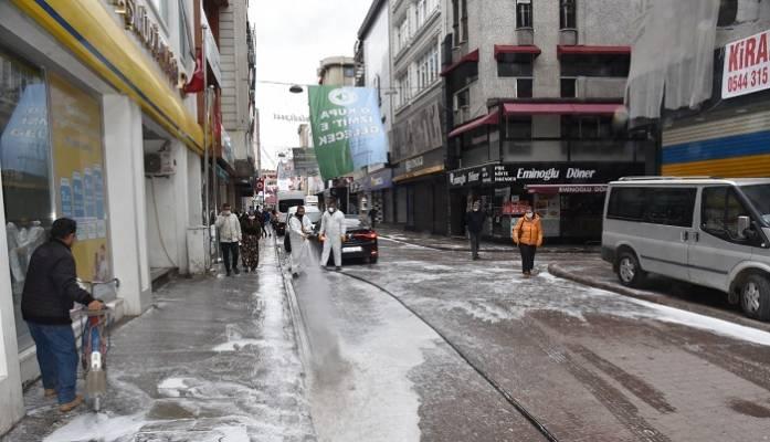 Her hafta 25 bin 590 kilometrelik yol ve 11 bin 624 metrekarelik alan dezenfekte ediliyor