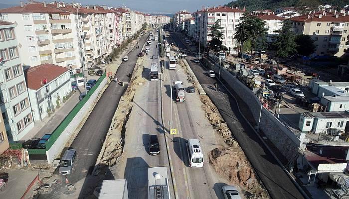 Karamürsel'de yan yollar asfaltlanıyor