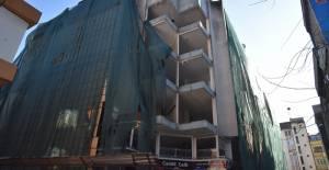 İzmit Belediyesinden Kızılay İş Merkezinin Yıkımı ile İlgili Açıklama