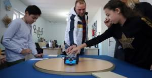 Yeni Nesil Gençler Robotik Kodlama...