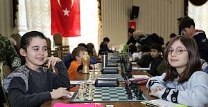 366 Öğrencinin Katıldığı Satranç Turnuvasını Başladı